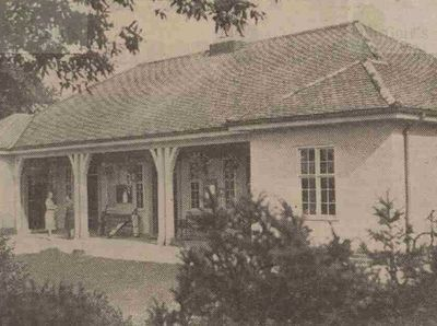 Western Park Golf Club, Leicester. The clubhouse in the 1920s.