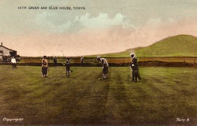 Towyn-on-Sea Golf Club, Gwynedd. On the eighteenth green.